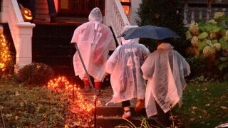 CDC issues COVID-19 guidelines for Halloween, classifies trick-or-treating as 'high risk'