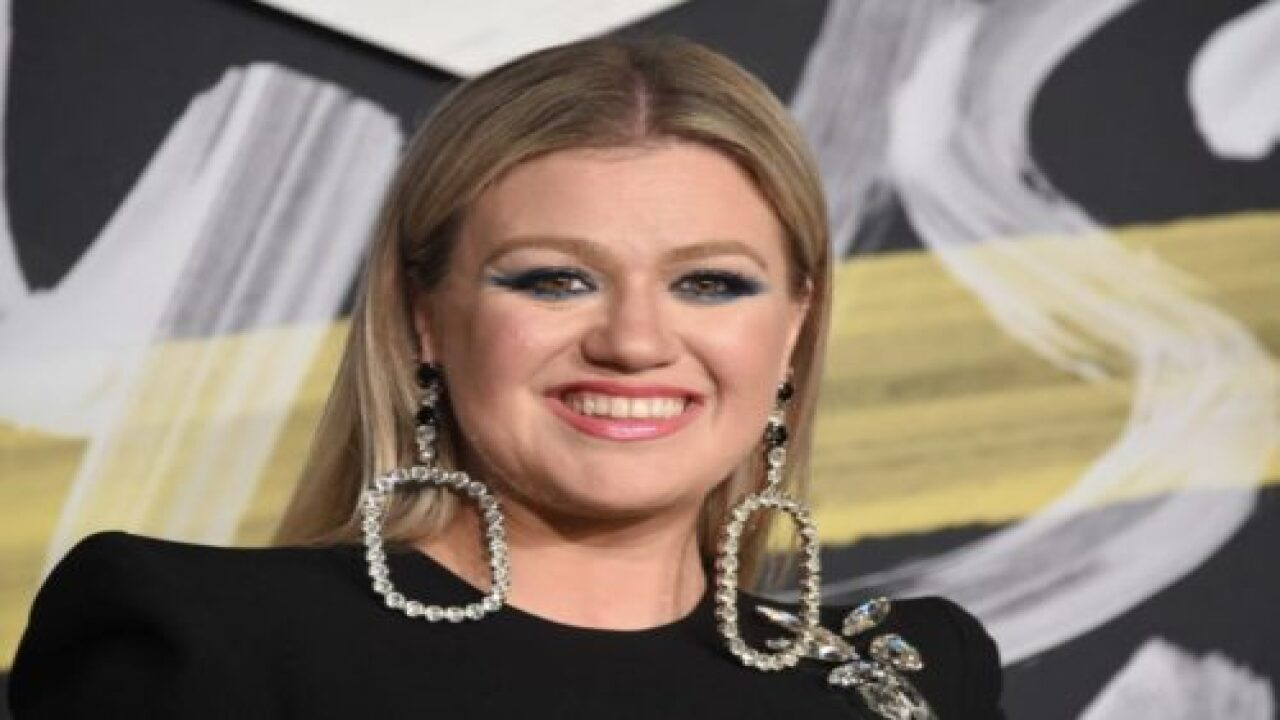Kelly Clarkson Says 'country Music Doesn't Sound Country Anymore'