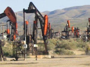 oil-gas.Par_.93747.Image_.500.375.1-1-300x225.jpg