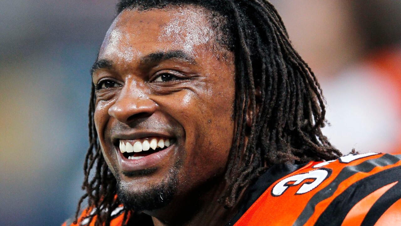 Former NFL player Cedric Benson killed in motorcycle crash