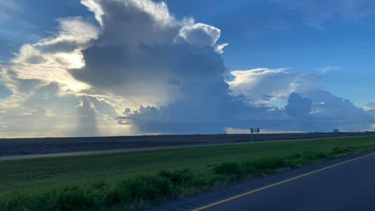 A shower in between Sinton & Taft - Photo By: FB Coastal Bend Weather Watcher Elizabeth Steininger Moody