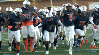 757 Showdown: Maury football remains undefeated after win overChurchland