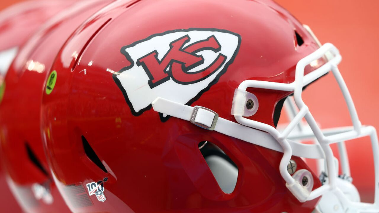 kansas-city-chiefs-helmet
