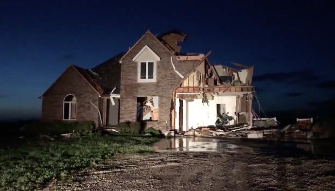 linwood tornado damage