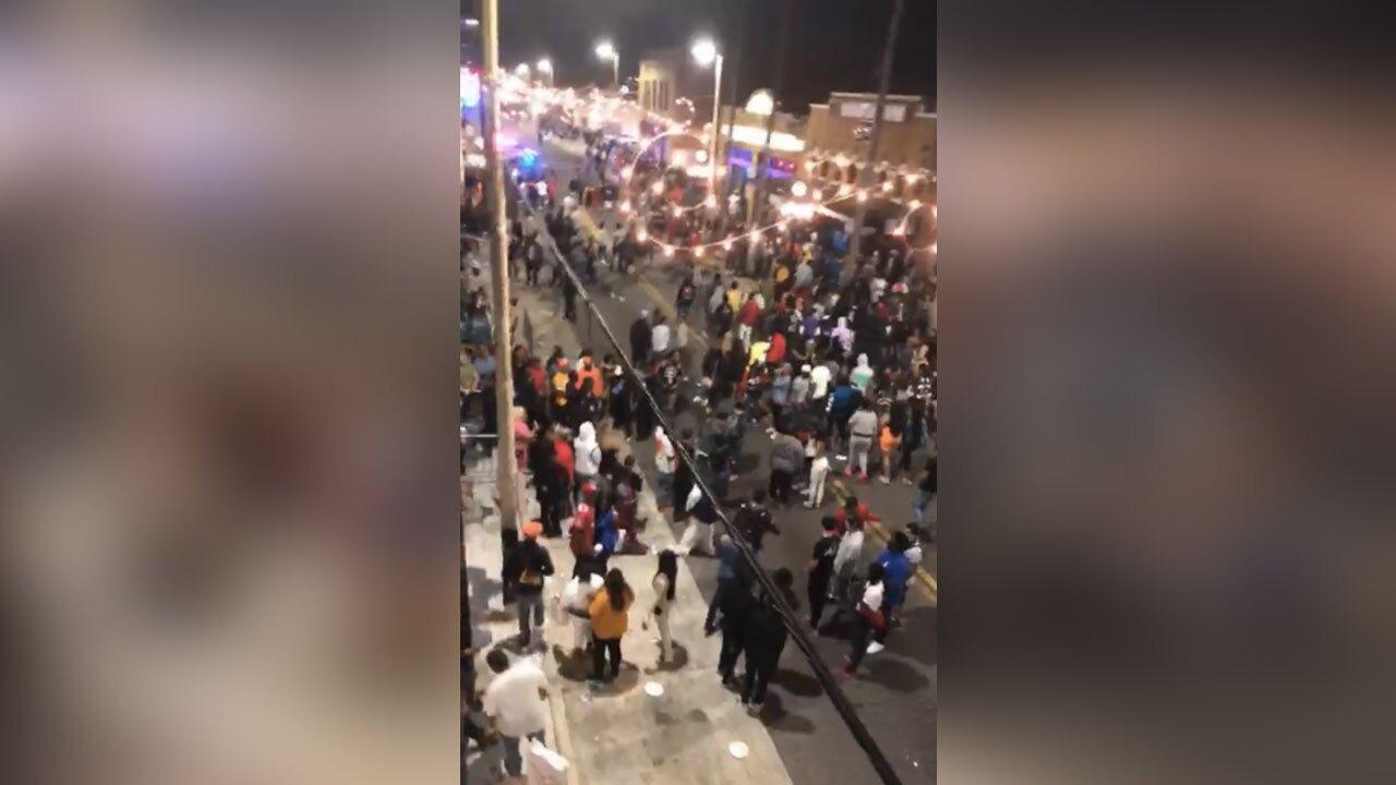 Tampa-crowds,-parties-spark-superspreader-concerns.jpg