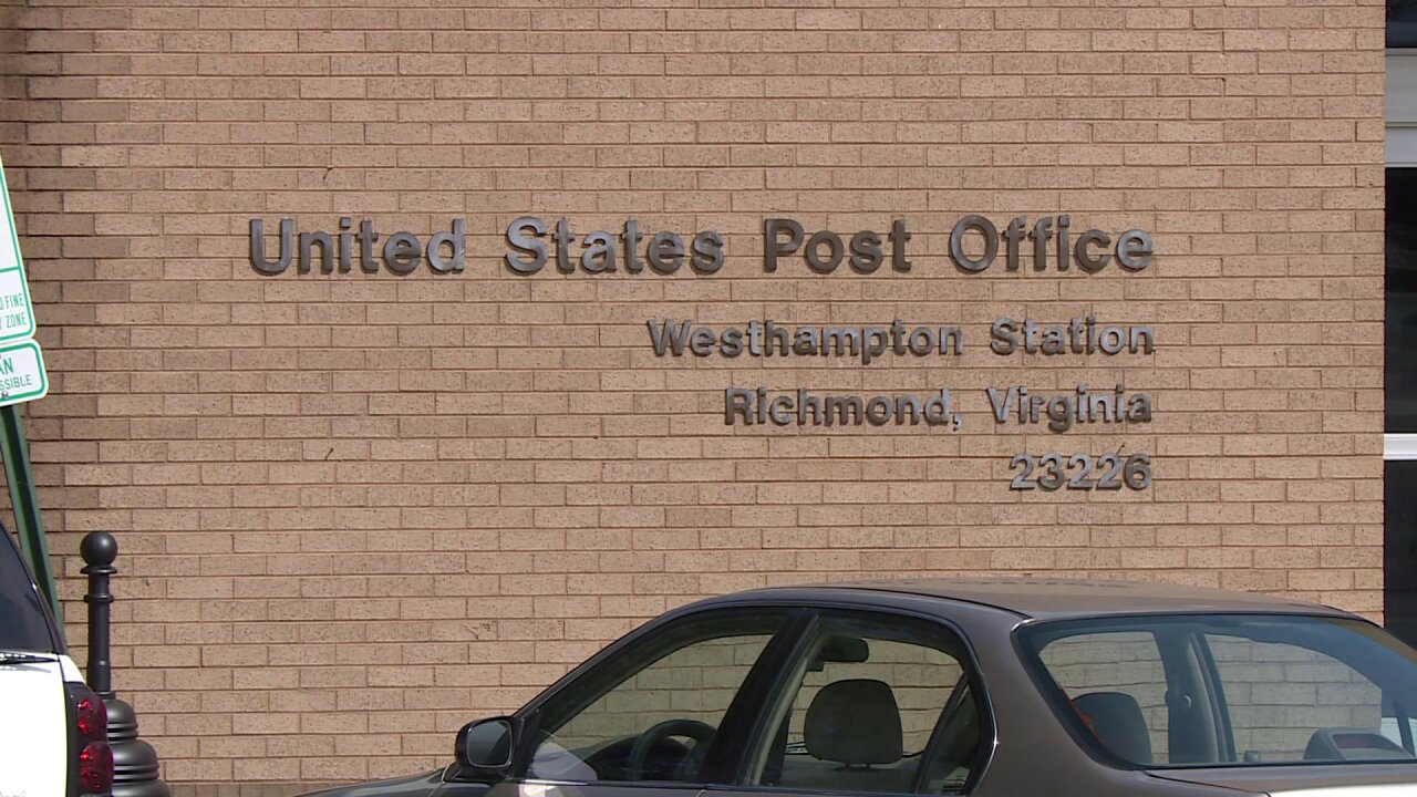 Richmond post office workers walk off job after working withoutAC