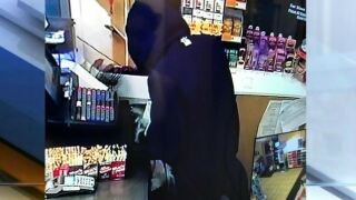 Marion clerk attacked with hammer during robbery; suspect stole cash, cigarettes and candy
