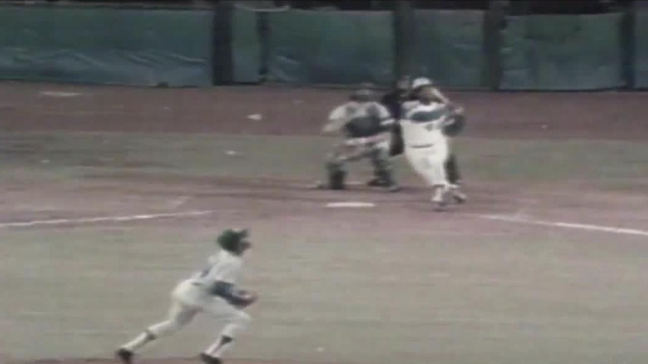 Hank Aaron homer