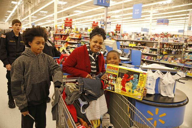 PHOTOS: Kids Shopping with Cops Extravaganza