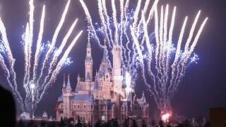 Disneyland in Shanghai shuts down due to coronavirus, 380 cases now reported