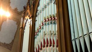 WCPO organ at holy family church.png
