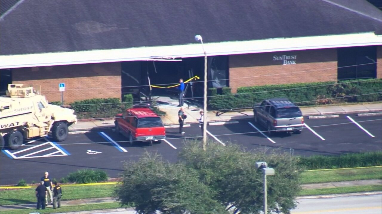 Police: At least 5 people killed at SunTrust Bank in Sebring, Florida; suspect in custody
