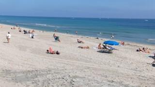 Dozens of people enjoy Delray Beach on Feb. 25, 2021.jpg