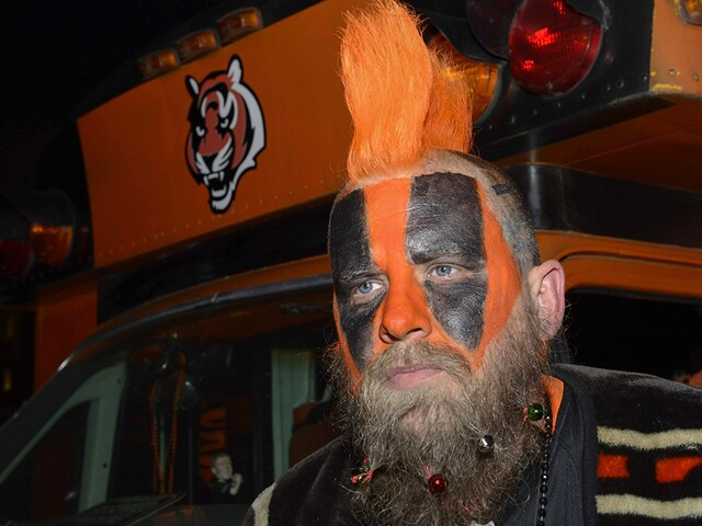 Bengals fans show their colors ahead of Steelers game