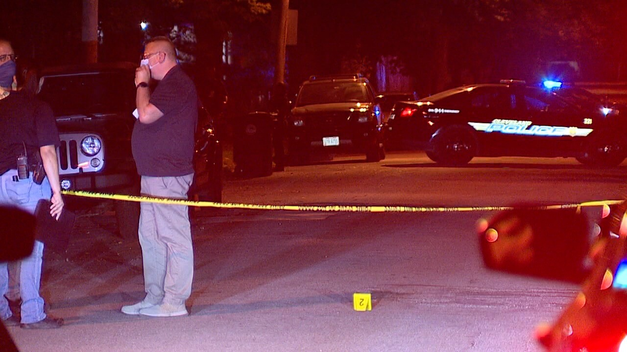 Cleveland police respond to shooting on West 47th Street.