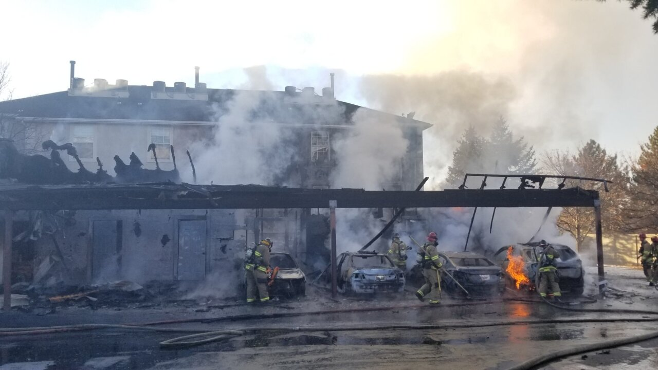 Fire destroys storage units, cars outside Orem apartment complex