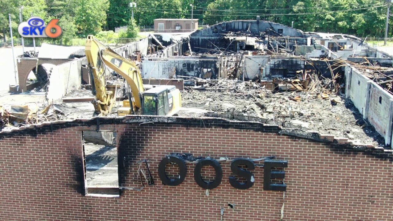 Burned out Hopewell Moose Lodge coming down, new one to bebuilt