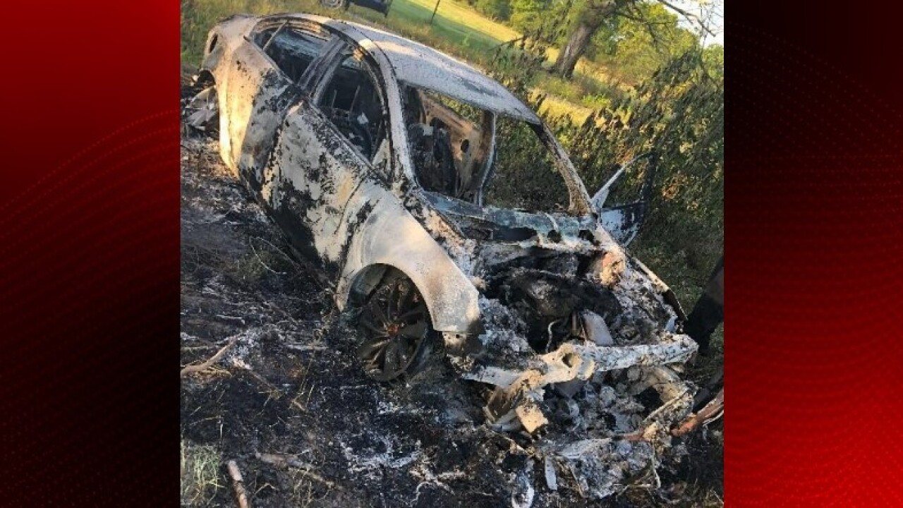 burned vehicle Ville Platte.jpg