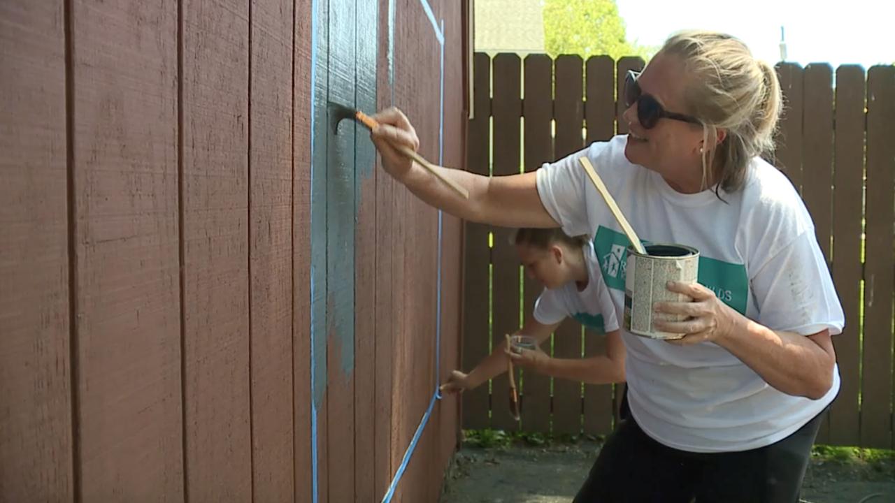 All-women volunteer group renovate nonprofit buildings in Akron