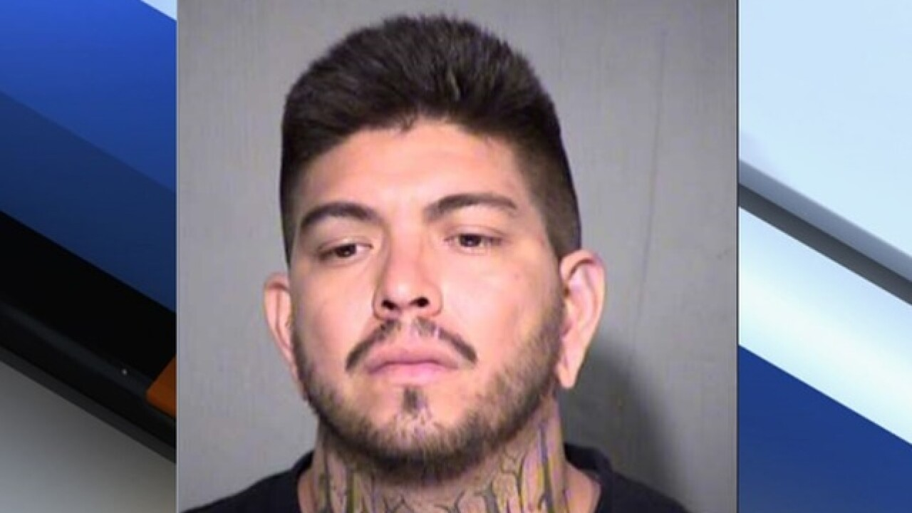 Police: West Phoenix man threatens to set fire to girlfriend & infant