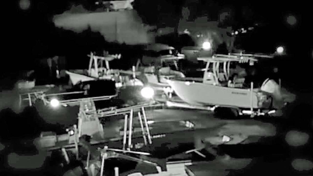 Security cameras catch attempted boat theft in Boca Raton