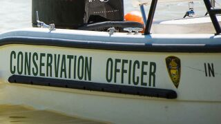 2 people hurt when boat hits tree in White County