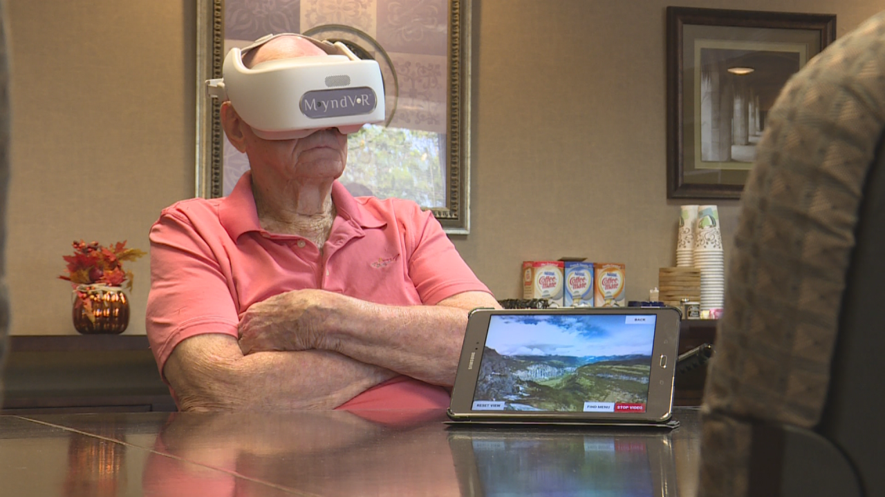 AM VIRTUAL REALITY FOR VETS PKG_frame_997.png