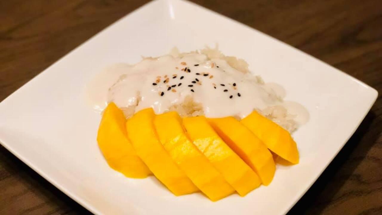 8-Mango sticky rice.jpg