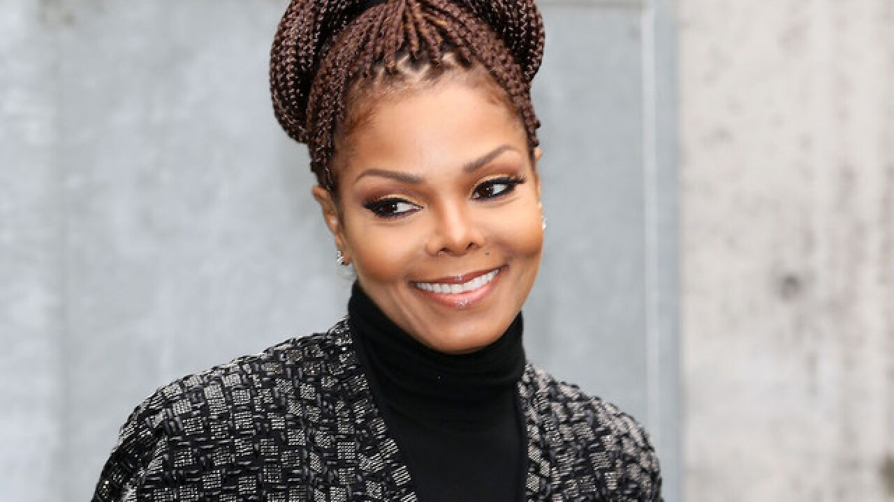 Janet Jackson delays tour, under orders to rest