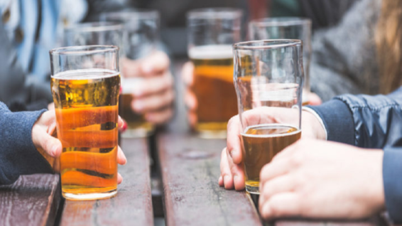 Drinking beer could help people read emotions, study says