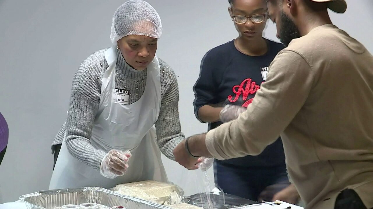 Operation: Feed the City provides hot Thanksgiving meals to hundreds in Norfolk