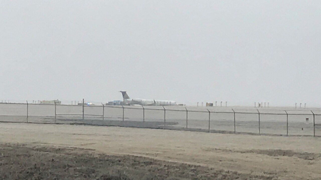 Passengers Deboard Flight At BNA Taxiway