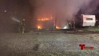 fuego en casa mobil 0203.jpg