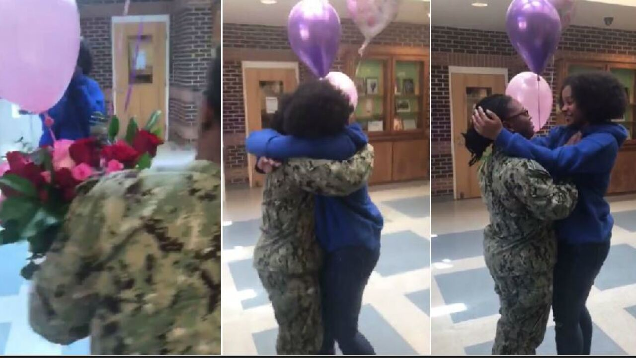 Watch this military mom surprise her daughter atschool