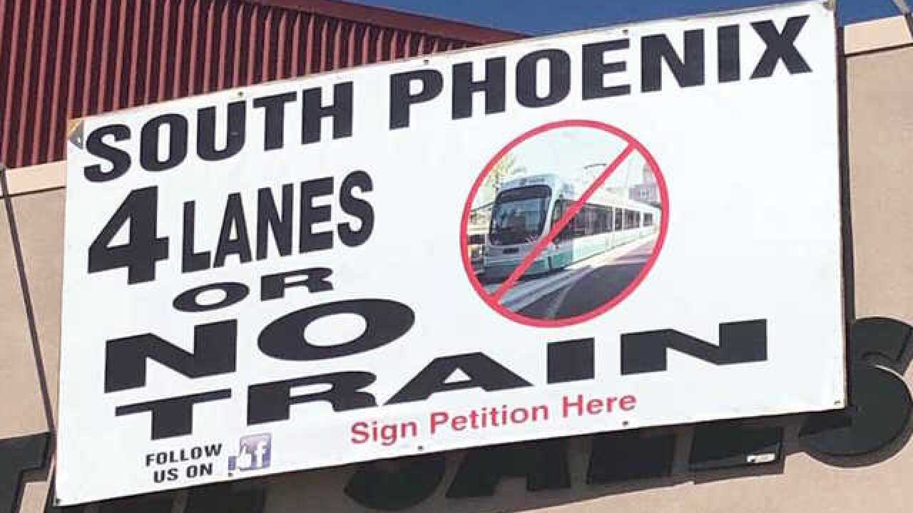 PHX to mull future of light-rail extension