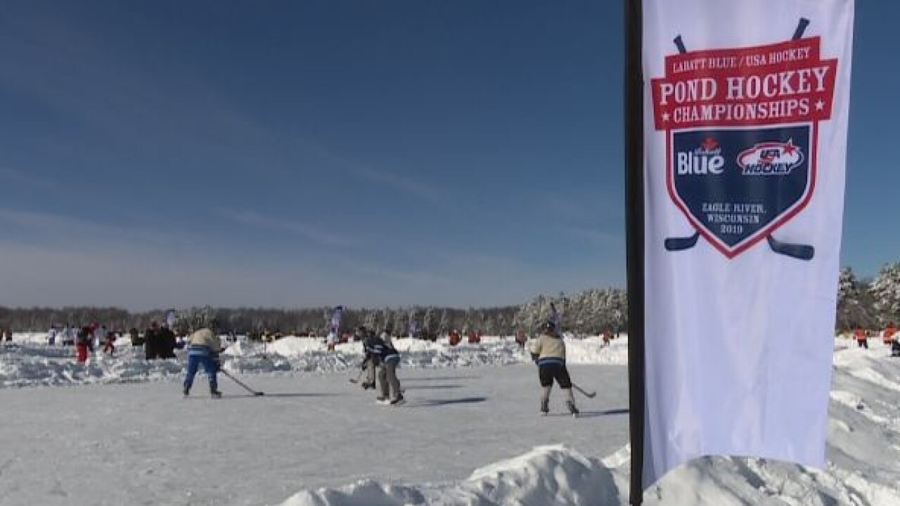 Pond Hockey in Eagle River 1