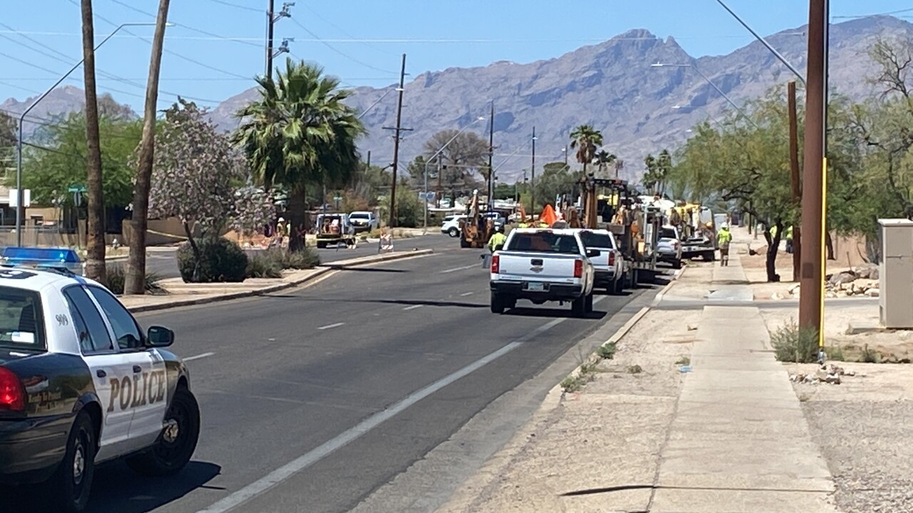 A gas leak shut down a midtown intersection Friday.