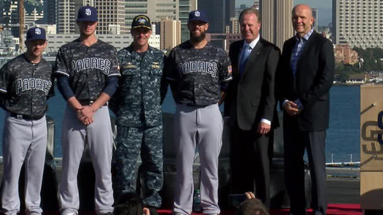 Padres to wear new uniforms for 2016 season