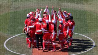 Softball: Japan walks off in extra innings, will face USA for gold