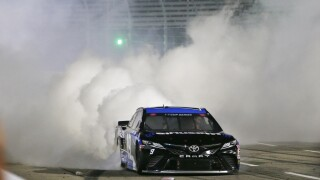 Truex ends 2020 winless skid with victory at Martinsville
