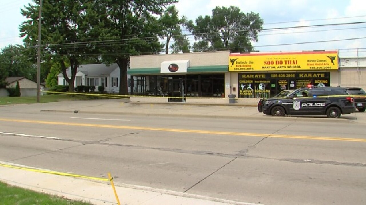 Warren Police investigate barber shop shooting