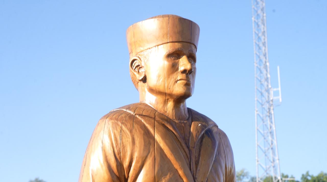 World War I soldier statue