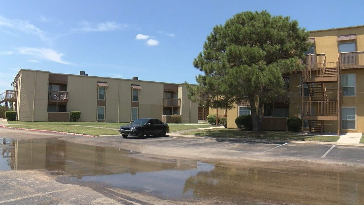 Killeen apartment complex goes days without water