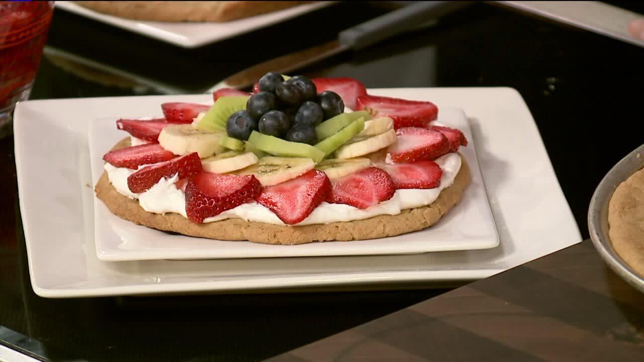 Recipe: Fruit & cream cookiepizza