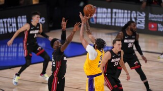 Los Angeles Lakers forward Anthony Davis 3-point shot vs. Miami Heat in Game 4 of 2020 NBA Finals