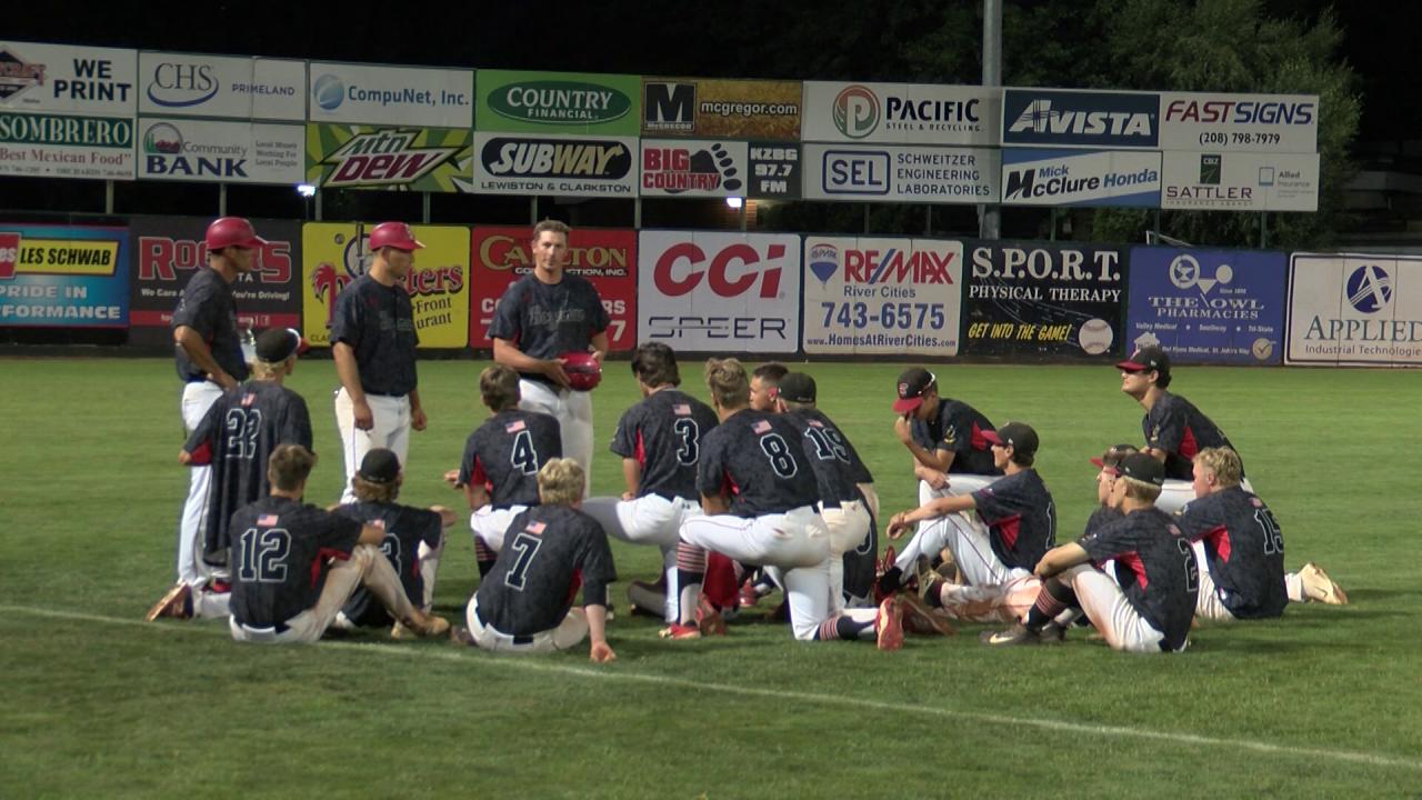 Bozeman Bucks huddle up one last time at the Northwest Regional tournament