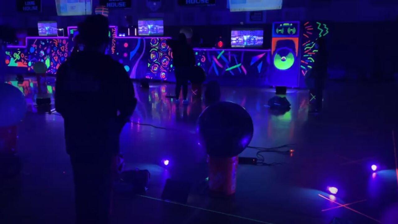 blacklight3.JPG