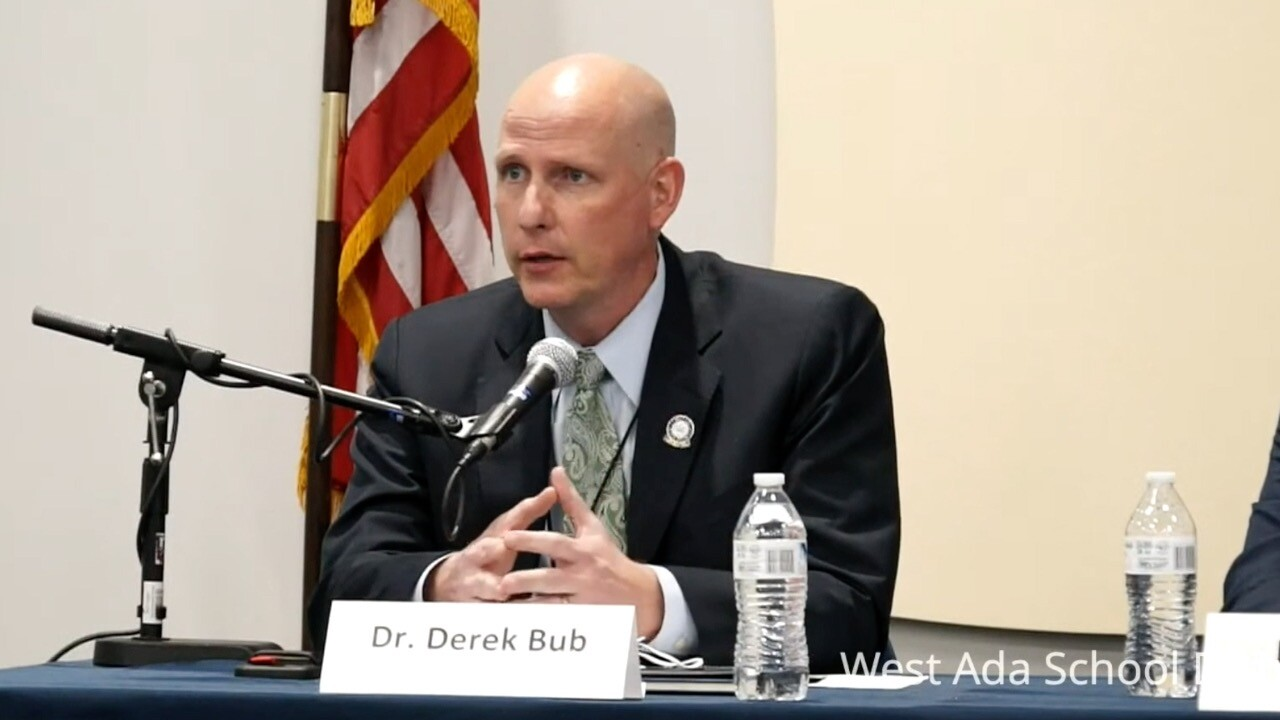 Dr. Derek Bub answers public's questions during community forum on April 19.