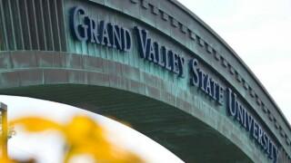 GVSU student government removes Pledge of Allegiance fromagenda