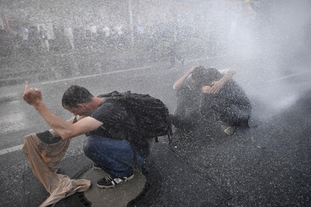 PHOTOS   Police, protesters clash at G20 Summit in Germany
